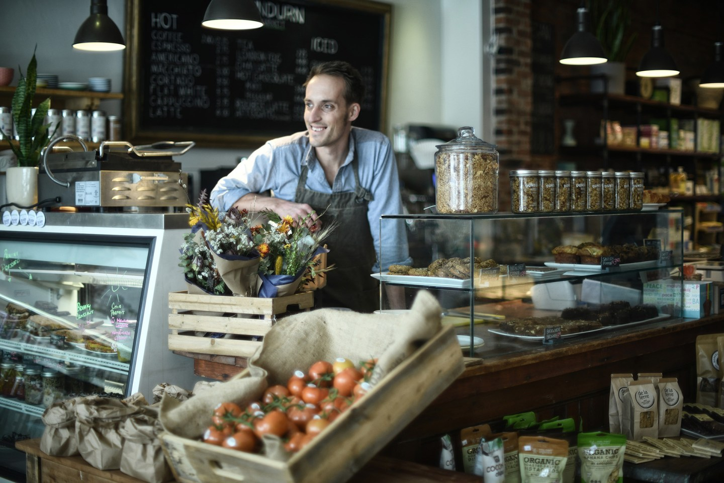 DUNDURN MARKET:  THE ARCHETYPAL (ECO)GROCER