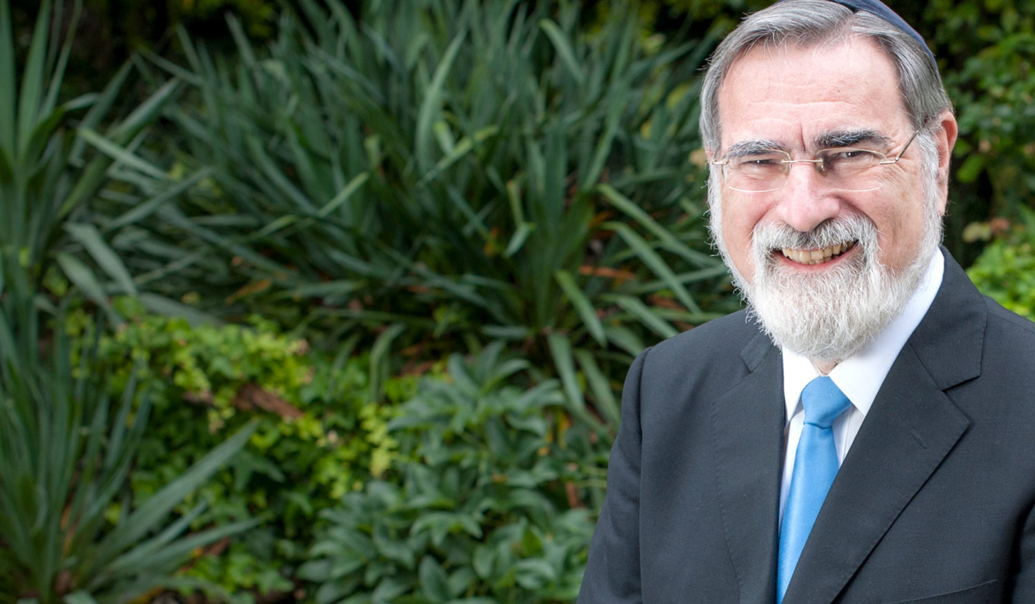 "My Rabbinic Patron – Eulogy for Rabbi Jonathan Sacks z""tl"