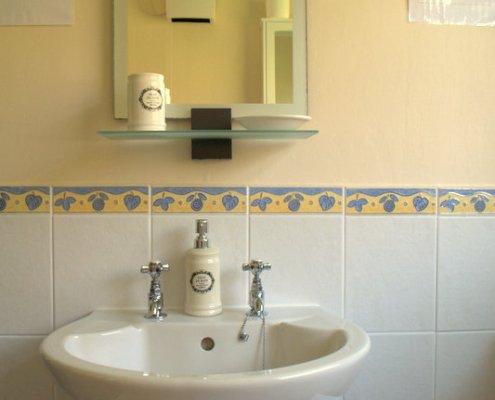 Lodge 3 bathroom