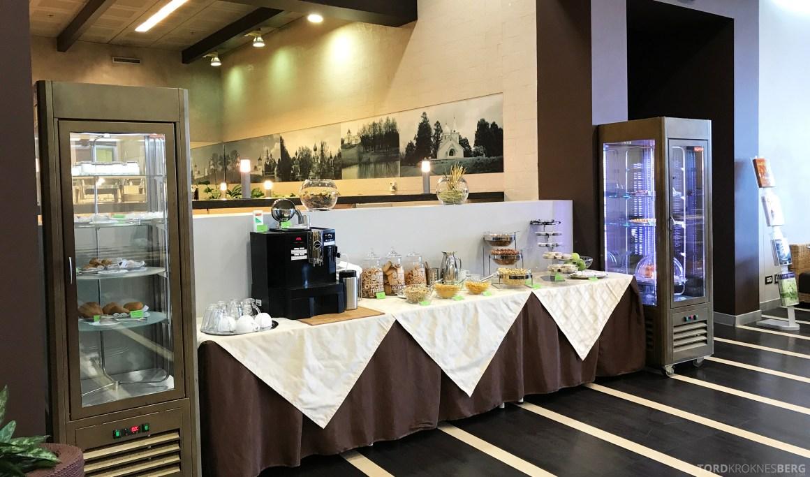 Airport Business Lounge Moskva snacksbuffet