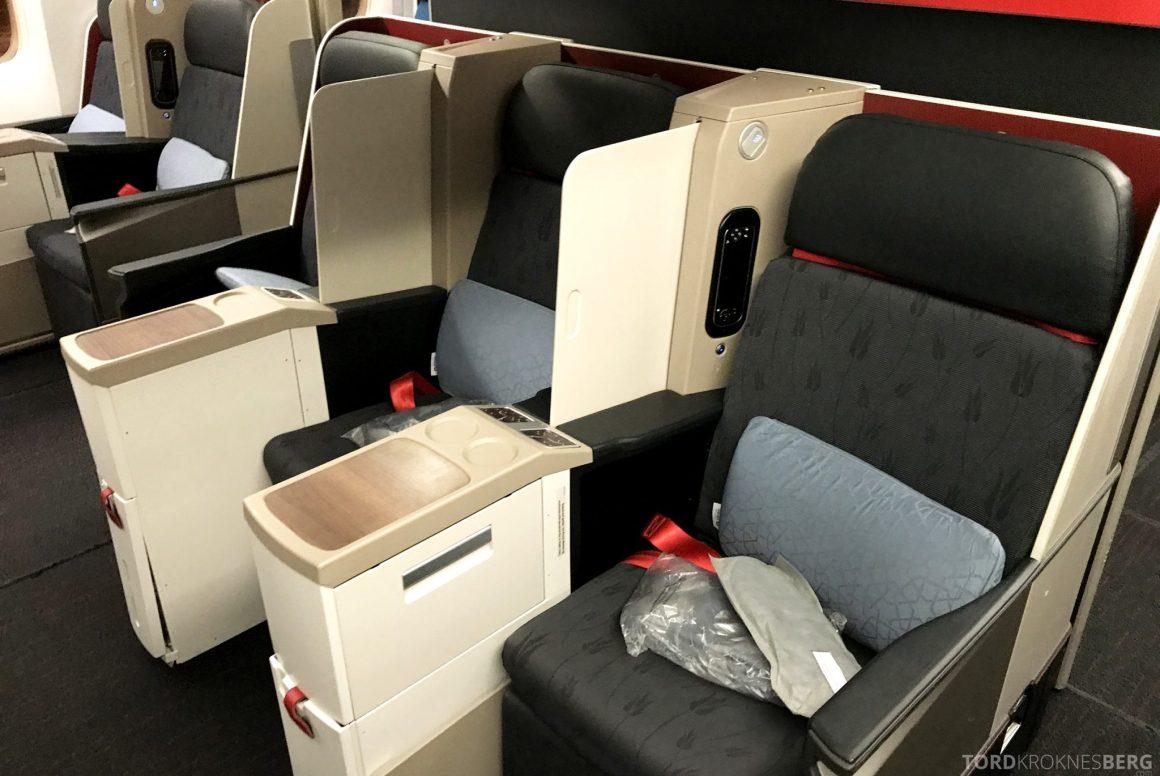 Turkish Airlines Business Class Istanbul Jakarta seter