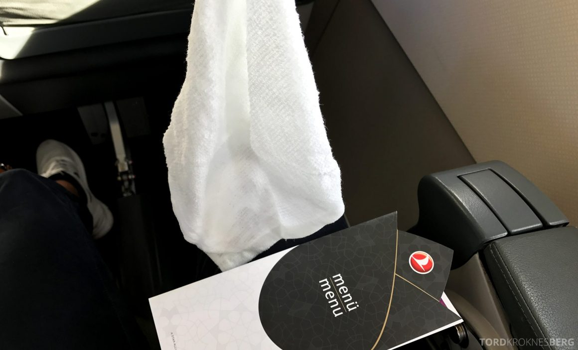 Turkish Airlines Business Class Oslo Istanbul meny og klut