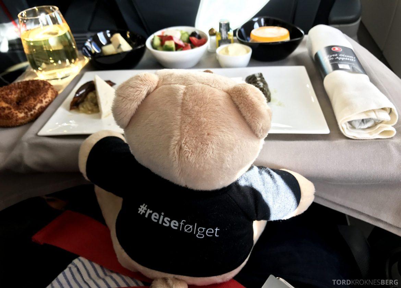 Turkish Airlines Business Class Oslo Istanbul reisefølget mat