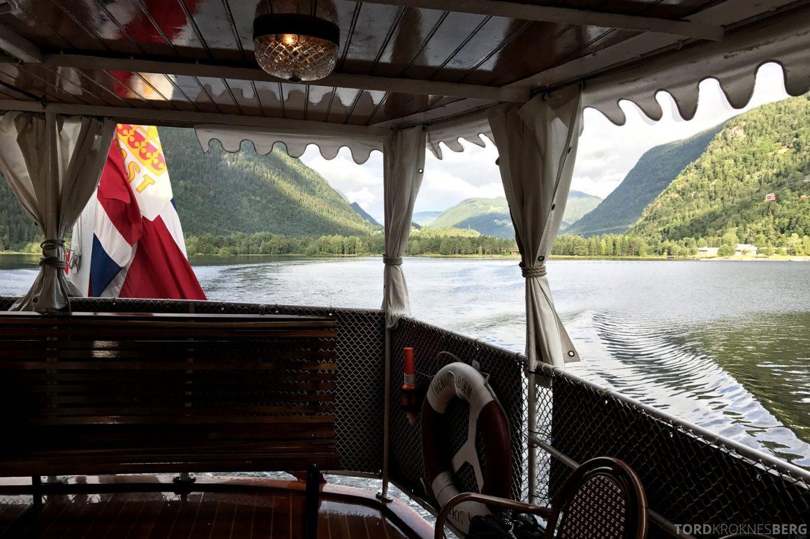 MS Henrik Ibsen Cruise Telemarkskanalen fjell