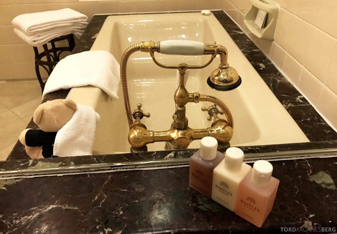 Raffles Hotel Singapore badekar