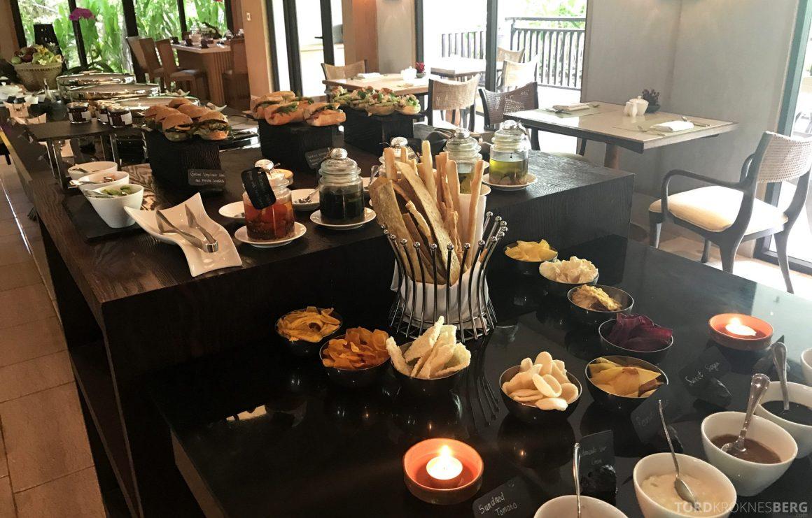 Ritz-Carlton Bali Club Lounge lunchbuffet