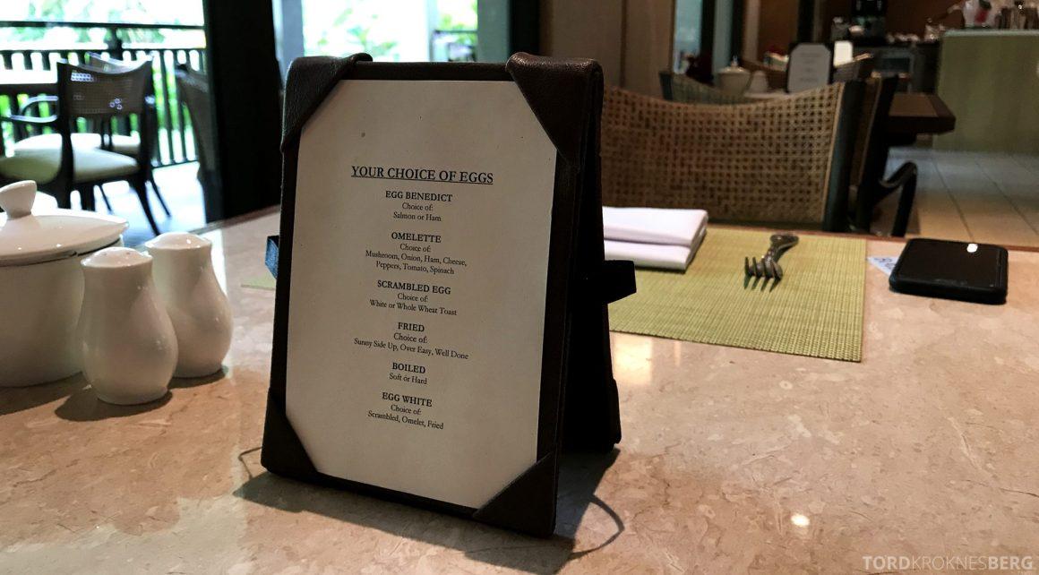 Ritz-Carlton Bali Club Lounge omelett frokost