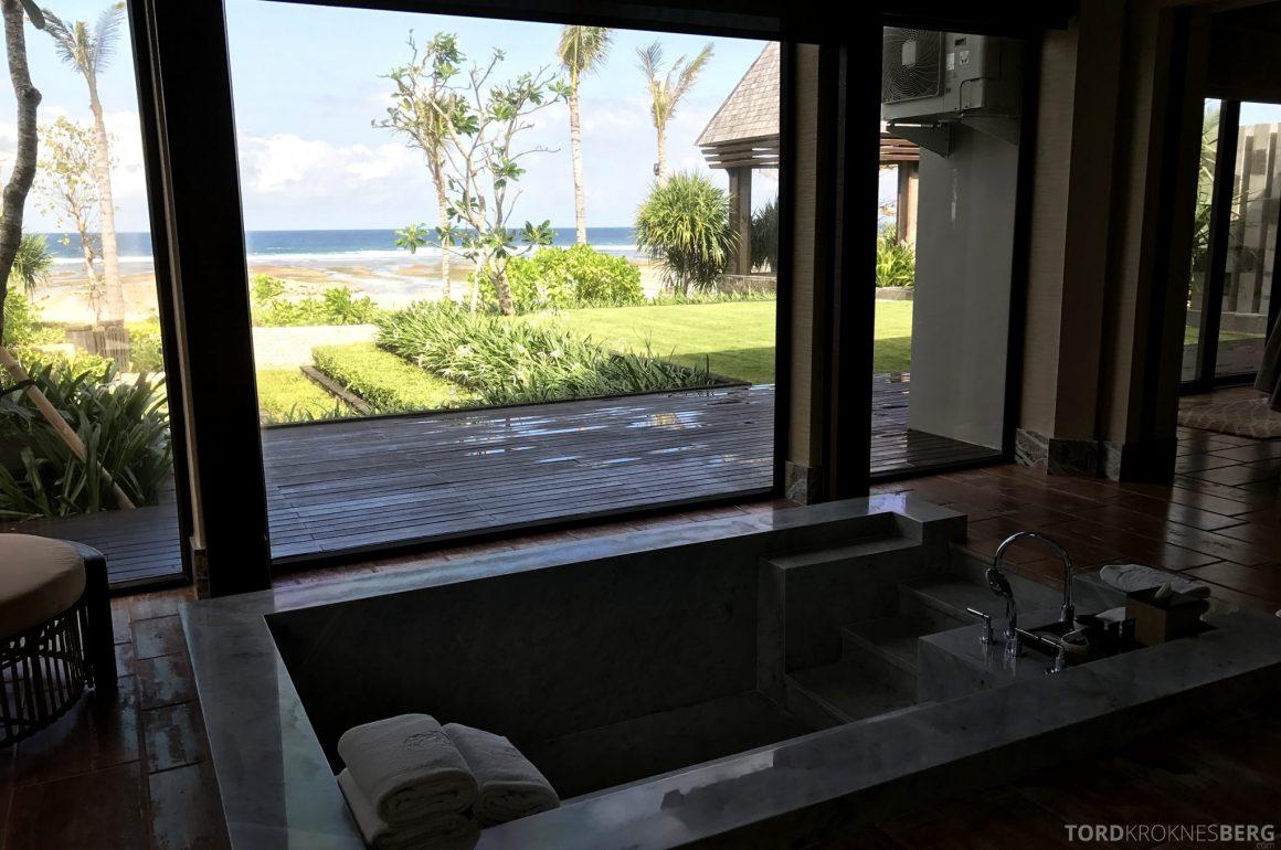Ritz-Carlton Bali Suites presidential suite bad