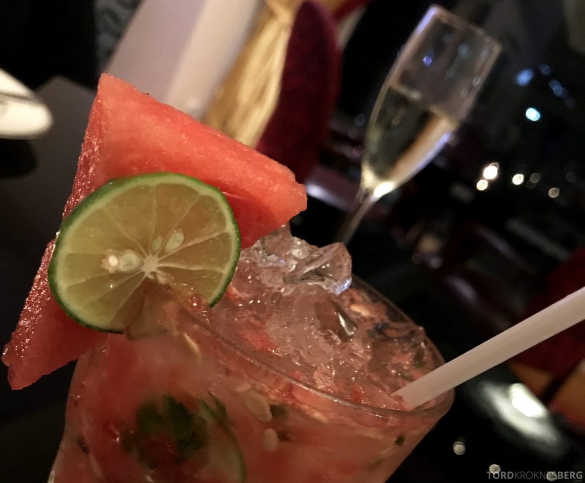 Ritz-Carlton Jakarta Club Lounge fruktig drink