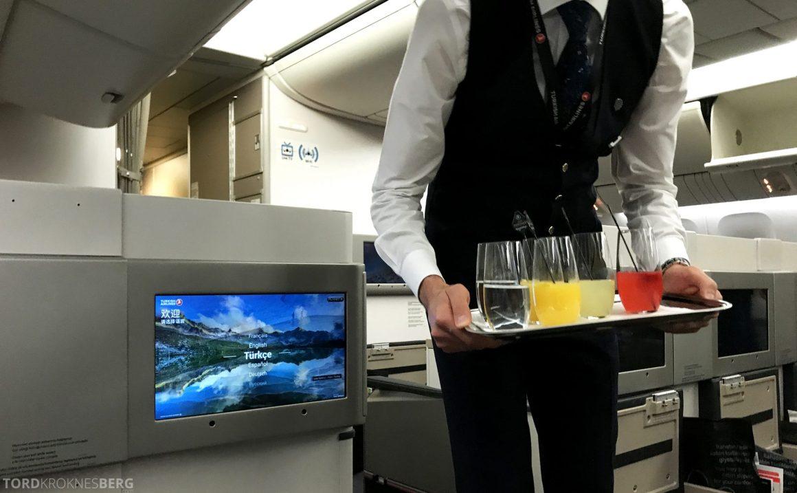 Turkish Airlines Business Class Jakarta Istanbul velkomstdrink