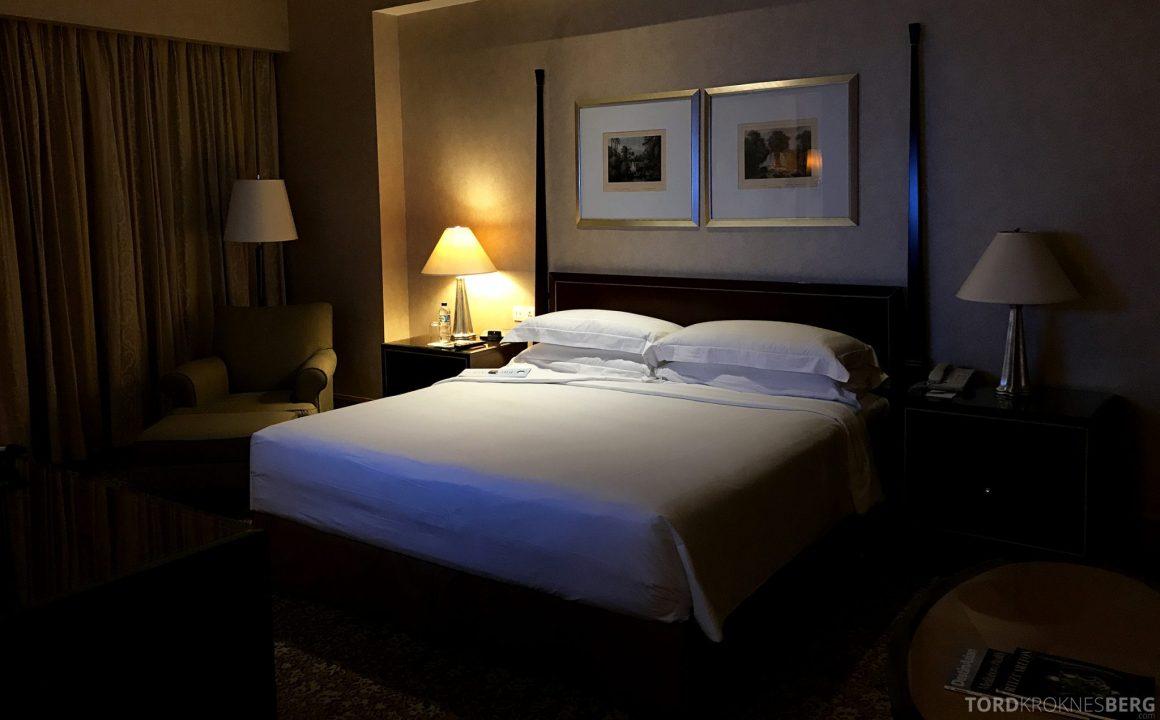 Ritz-Carlton Jakarta mayfair suite seng