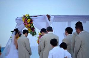 結婚式の最中