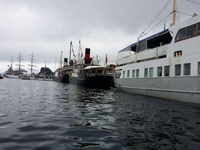 Fjordabåtar på rekkje og rad Foto: Kjell Magnus Økland