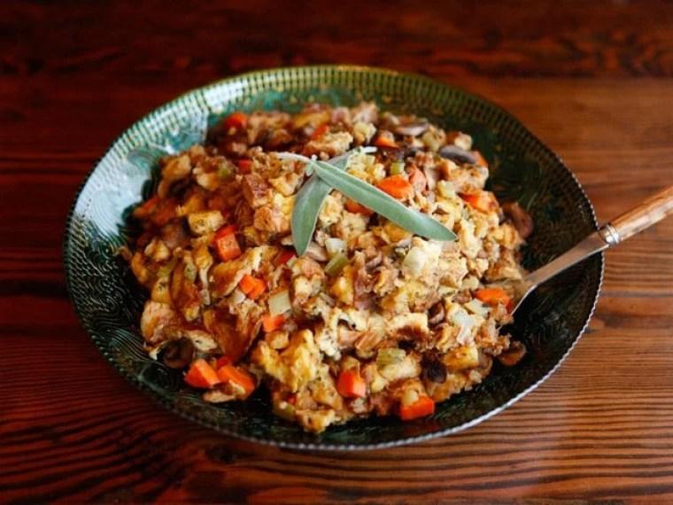 Thanksgiving Recipe Roundup - Favorite Holiday Recipes from ToriAvey.com