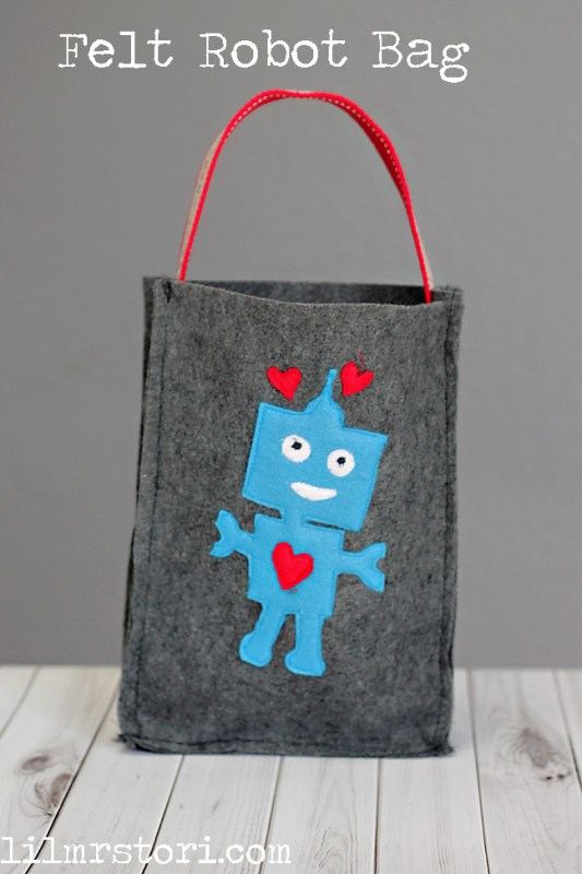Easy Felt Robot Bag | Lil' Mrs. Tori
