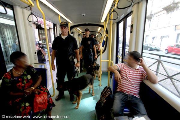 torino-agenti-bus