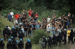 Avigliana, i NoTav bloccano un Tgv