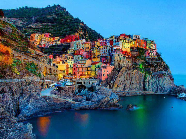 Manarola-a-small-town-in-Cinque-Terre-Italy