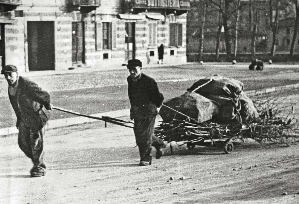 Torino 25 aprile 1945 - La guerra è finita, ma anche no