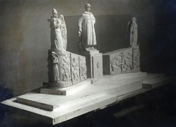monumento 13