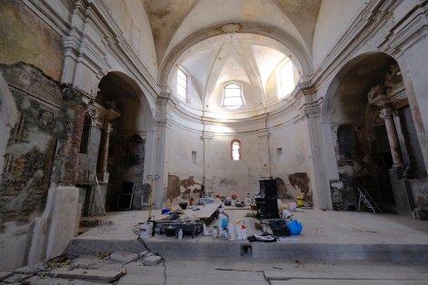 L'interno dell'Abbadia in fase avanzata di restauro...