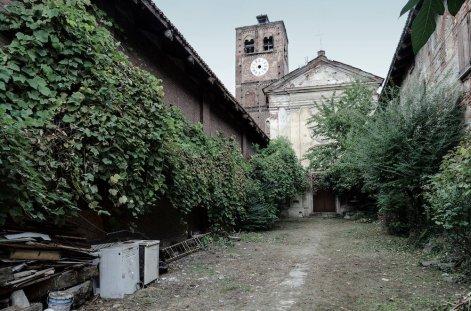 In questa immagine, lo stato dell'Abbadia di Stura prima dell'inizio dei lavori di restaturo.