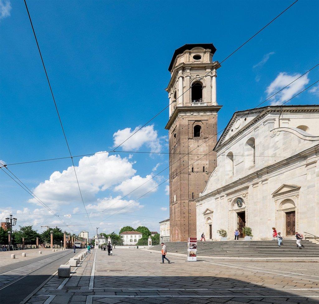 Il duomo - facciata e campanile