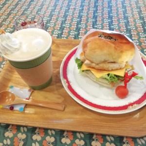 玉造温泉のmame cafeで小人の作った身体に優しいハンバーガーを食べてみた