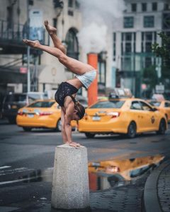 urban-ballet-dancers-new-york-streets-omar-robles-99-57b30faeece55__700