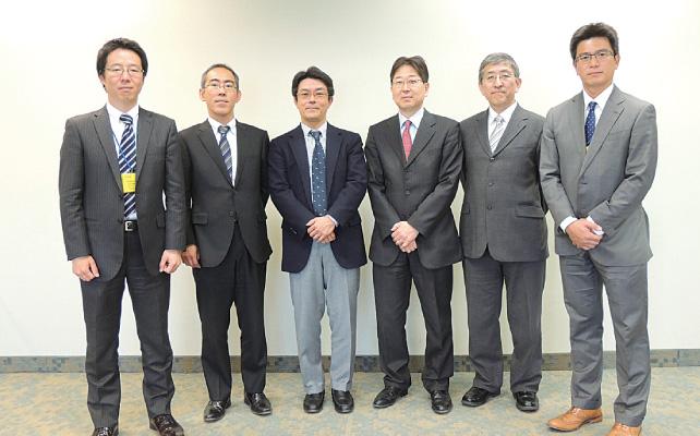 (左から)山岸康徳さん、朱膳寺尚貴さん、佐竹陽一さん、池畑義昭さん、伊東義員さん、福岡宏之さん