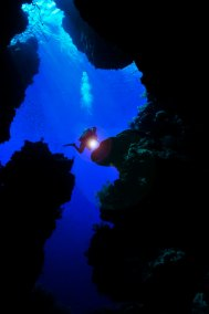 Diver and Cave (681x1024)