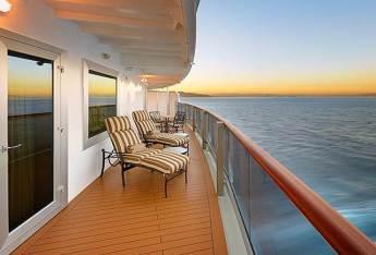 cabins-QE-Balcony-stateroom