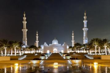 city-tour-of-abu-dhabi-sheik-zayed-mosque-emirates-palace-marina-mall-in-dubai-206212