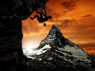 man-climbing-mountain-4096x3072-wide-wallpapers.net_result
