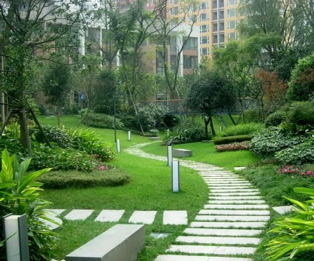 Modern beautiful home gardens designs ideas. (2)