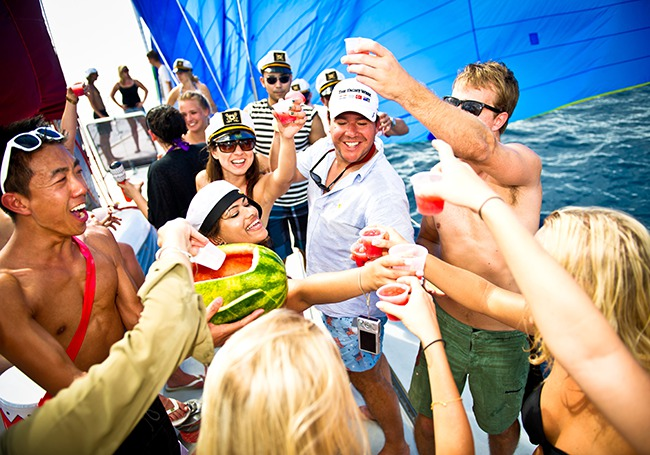 1112_yacht-week_650x455
