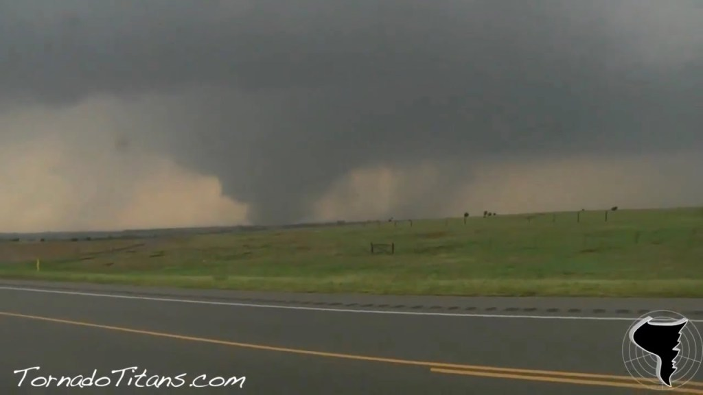 May 24, 2011 Storm Chase | Violent Oklahoma Tornado Outbreak!