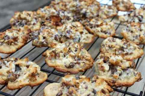 Date-Walnut-Macaroon-Cookies