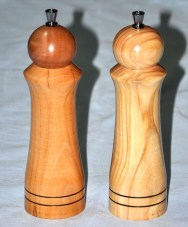 1415-16 coppia di macina pepe in ulivo e ciliegio