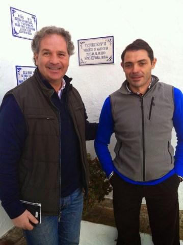 Sanchez Vara devant l'azulejo de Victorioso