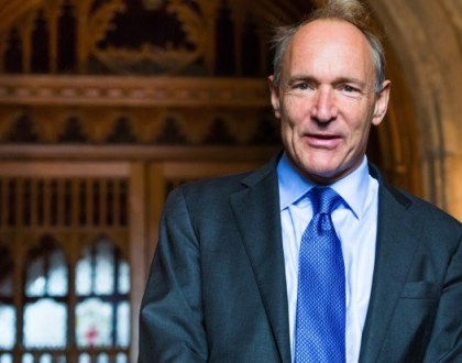 """Tim Berners-Lee, creador de la World Wide Web, dice que su invento """"está amenazado"""""""