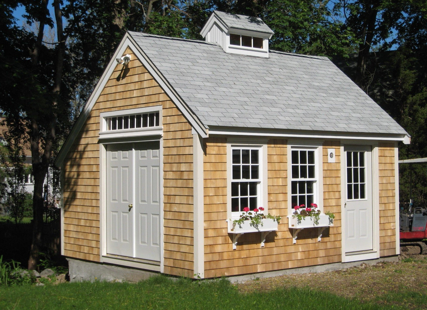 Hello backyard enthusiasts!   Toronto Garden Sheds on Custom Backyard Designs id=82967