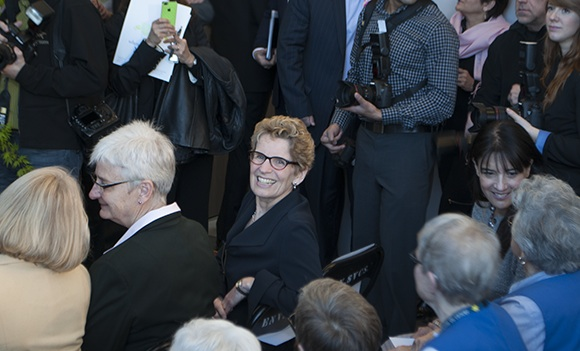 Jane Rounthwaite and Ontario Premier Kathleen Wynne at Sunnybrook Hospital April 4, 2013