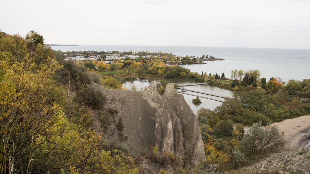 fall foliage at Scarborough Bluffs