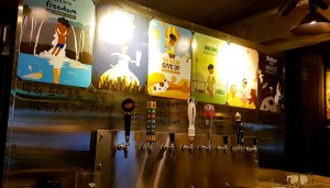 CraftBros Bottle Shop Tap House Apgujeong Bar Gangnam Chicken and Beer The Toronto Seoulcialite
