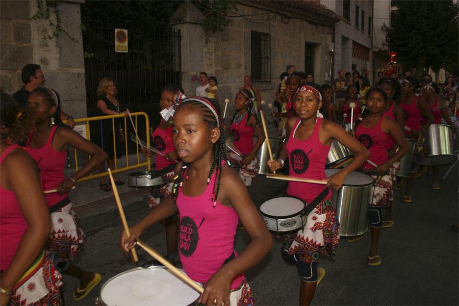 El Concejal de Fiestas y la Alcaldesa de Torrelodones durante una de las actividades por las Fiestas (Foto Torrelodones.info)
