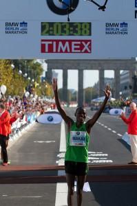 Patrick Makau en la maratón de Berlin 2011