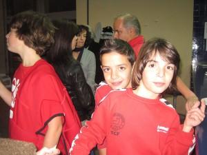 Javier Villalba, y detrás, Fer un compañero de equipo.