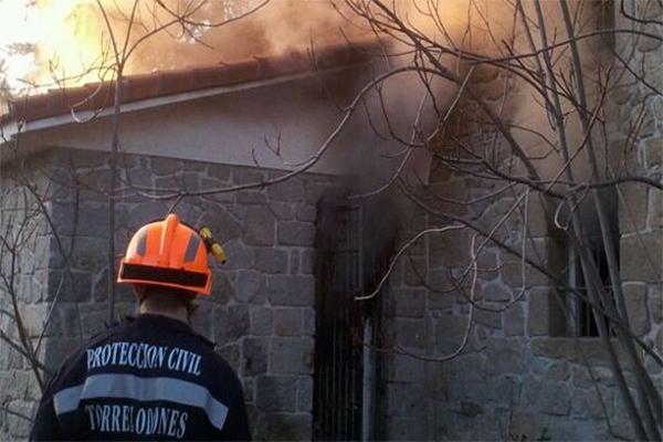 Incendio vivienda Torrelodones Colonia 10-01-2012