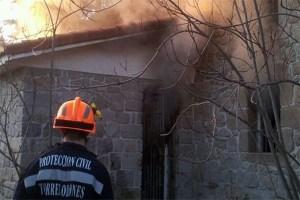 Incendio vivienda Torrelodones Colonia 10-01-2012 (Foto: Ayto. Torrelodones)